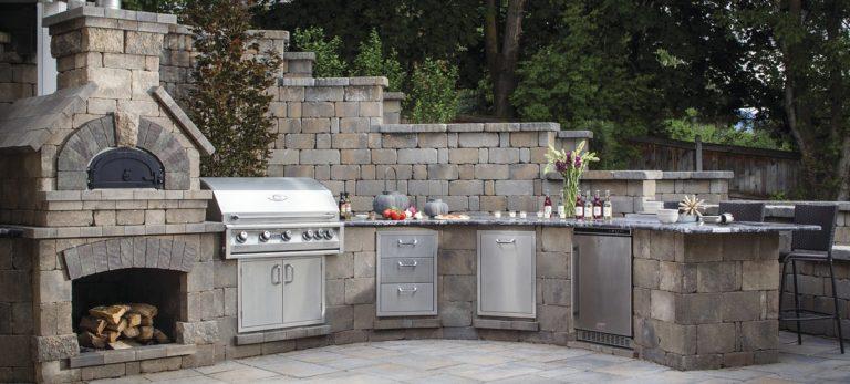 Outdoor Kitchen Hardscapes Design