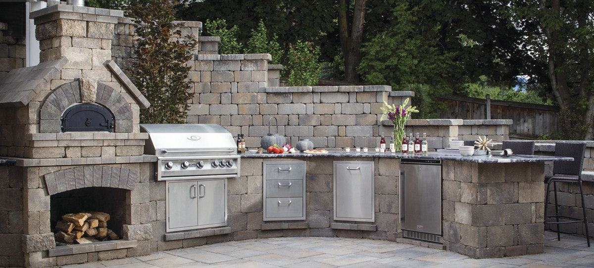 Outdoor Kitchen Trends Featured Image
